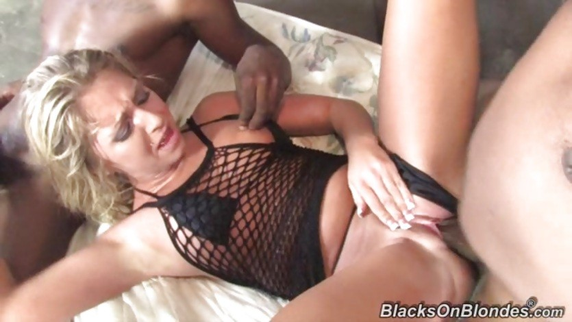Awesome Jaelyn Fox is dicked up her wet pantie pot